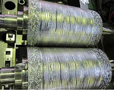 凹凸金属ロール